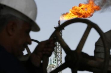 Crude Oil Prices Fall as OPEC+ Fears 2021 Swing Back to Surplus