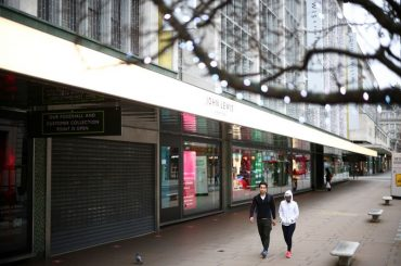 Muted recovery for UK retailers in December ends worst year on record