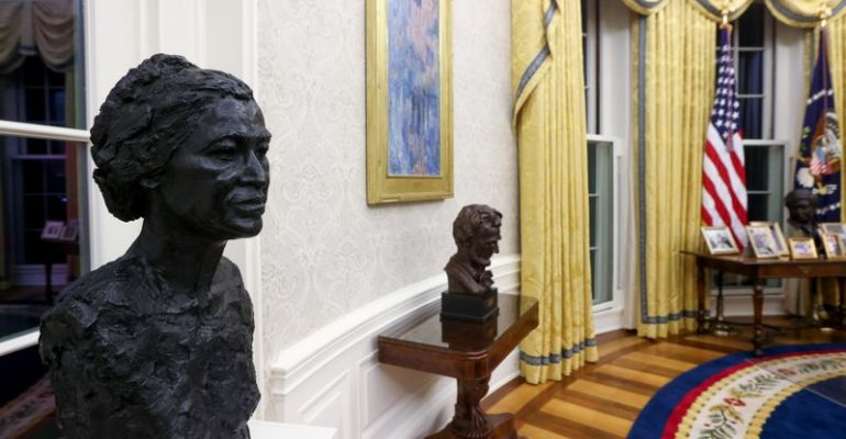 Biden's Oval Office swaps Andrew Jackson, military flags for family photos, civil rights leaders