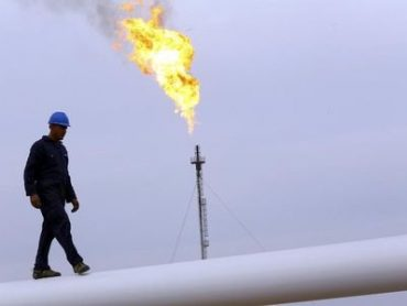 Oil Falls Most in a Month on New China Covid Scare, Dollar Surge