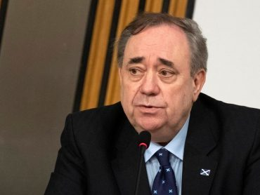 In independence threat, Scotland's ex-first minister attacks government
