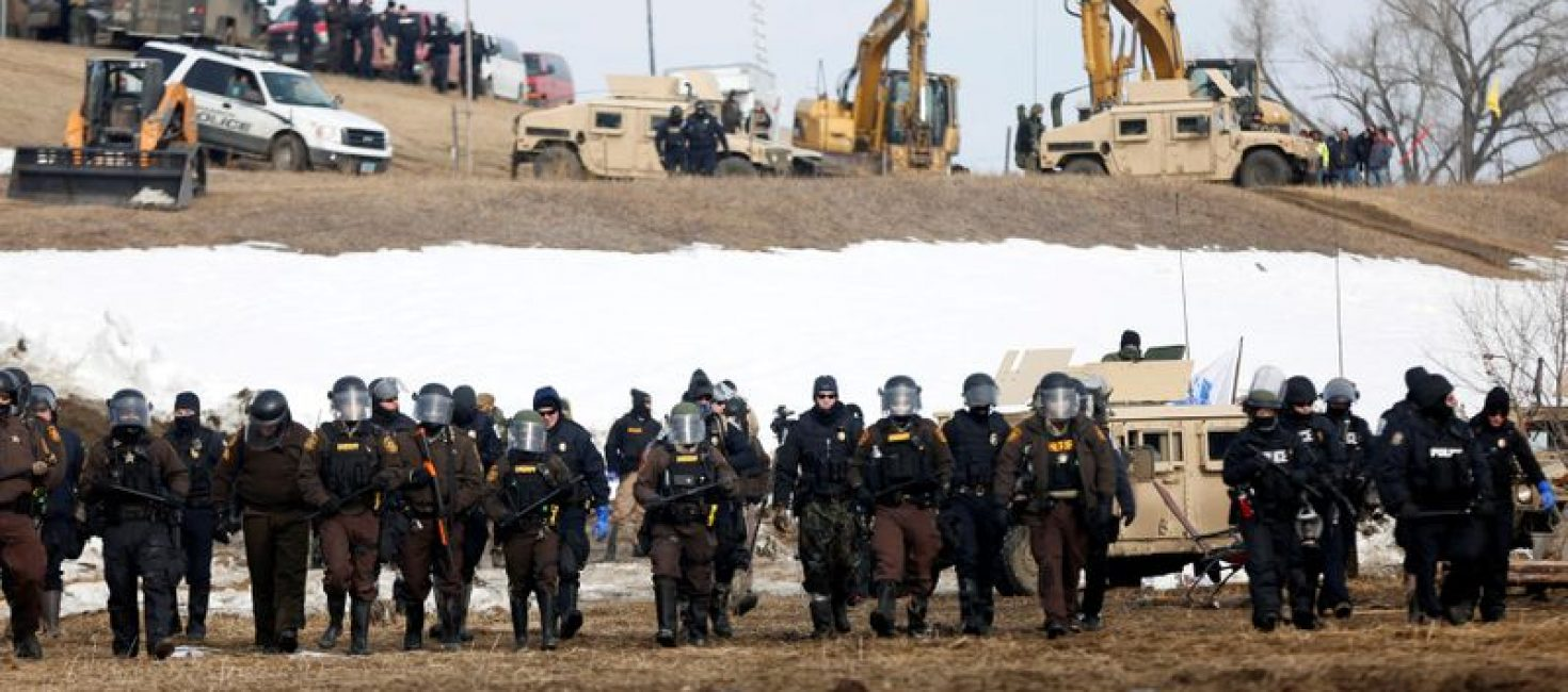 U.S. Army Corps to lay out plans for Dakota Access pipeline review at hearing