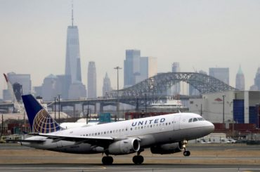 U.S. House panel discusses low-carbon fuel with airline, biofuel industries