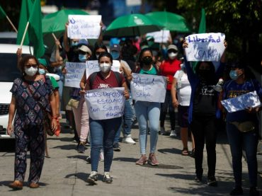 El Salvador court to free woman given 30 years for death of fetus