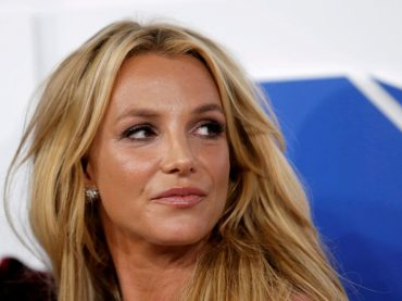 Britney Spears' father asks for probe of her abuse claims