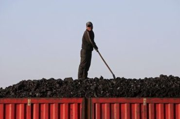 China Coal Futures Plunge Again as Government Plans Price Curbs